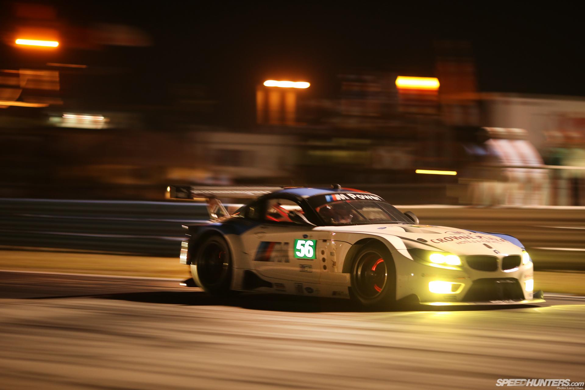 Bmw Z4 Race Car Glowing Brakes Motion Blur Night Racing
