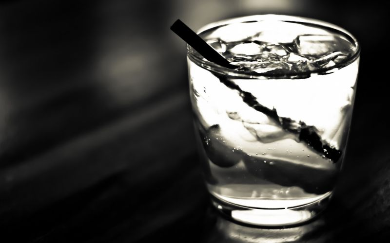 cocktail grayscale wallpaper