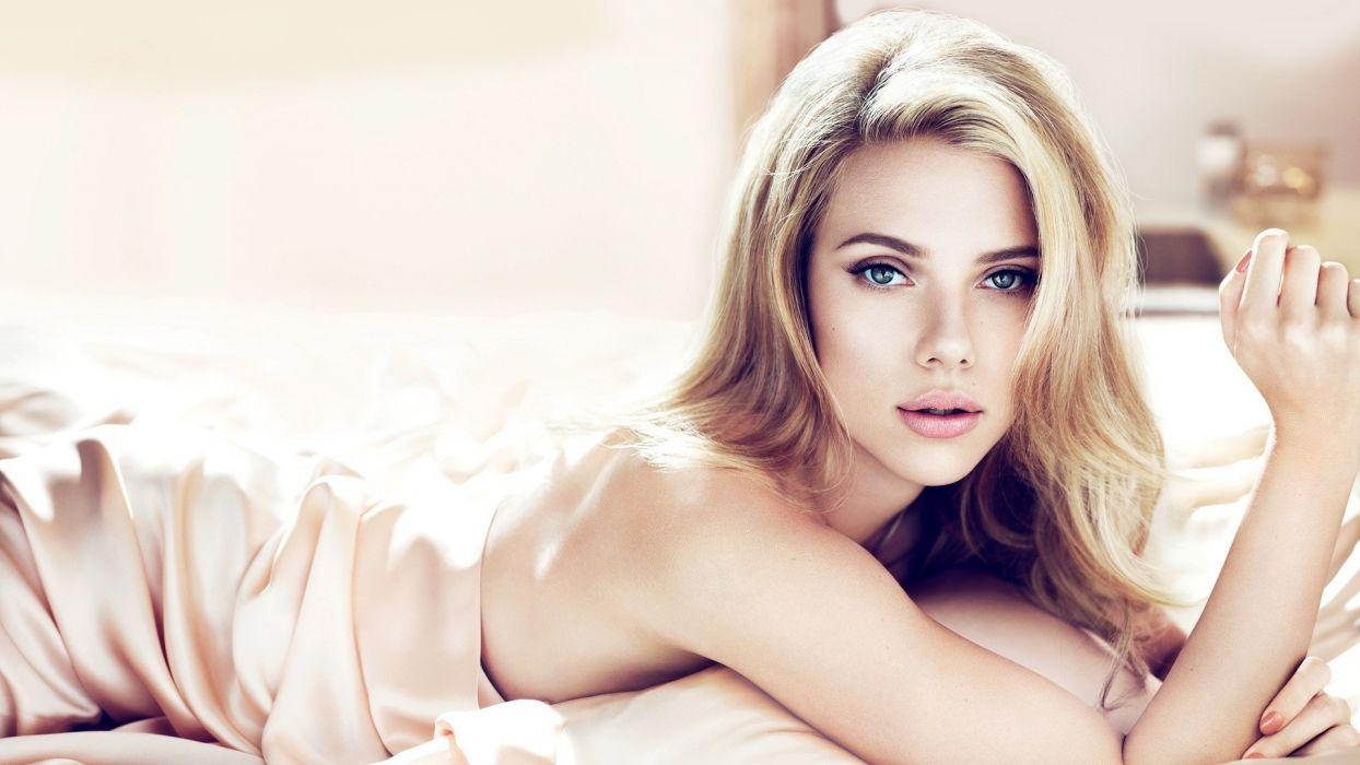 Scarlett Johansson Blonde actress women females girls sexy babes face eyes wallpaper