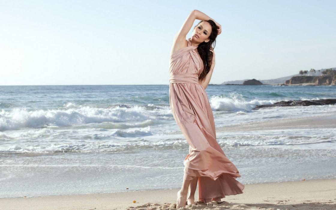 women females girls sexy babes model mood ocean sea waves beaches face wallpaper