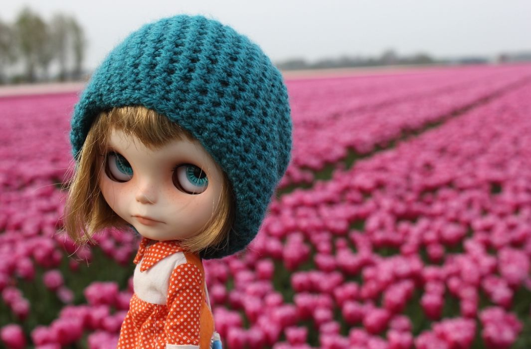 Toys Doll Glance Winter hat flowers face eyes mood girl wallpaper