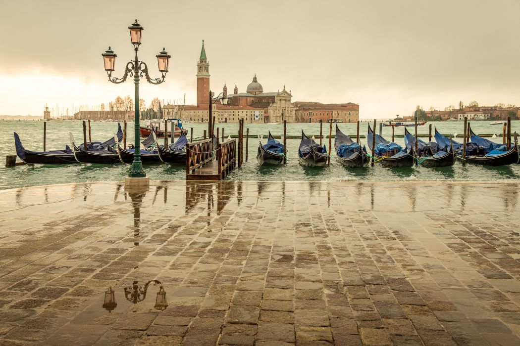 Venice Italy San Giorgio Maggiore island marina gondolas sea light city cloudy buildings rain reflection boats wallpaper