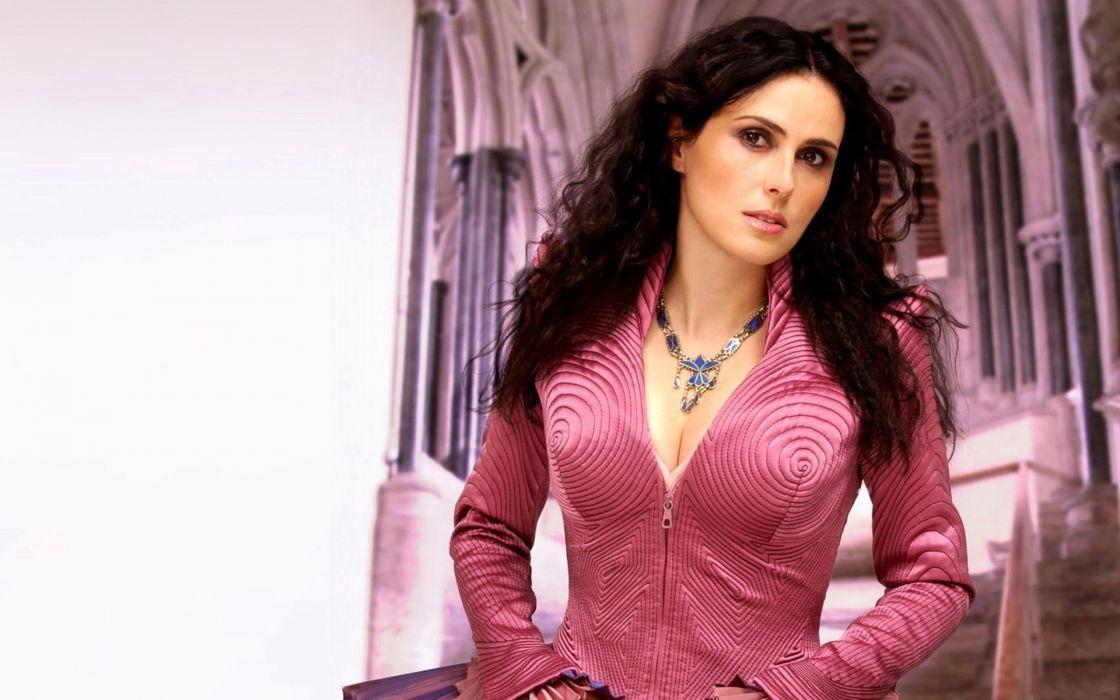 Women Pink Sharon Den Adel Singers Within Temptation