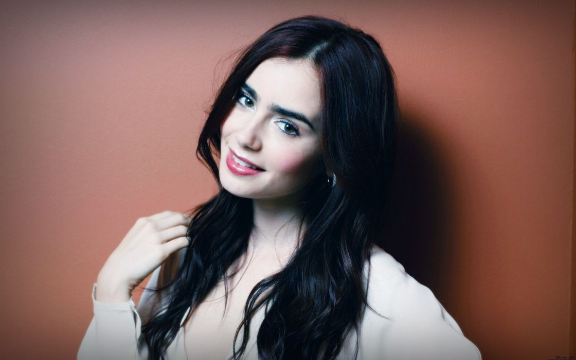 women actress smiling Lily Collins wallpaper