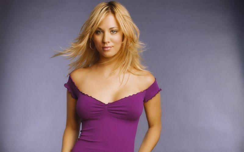 women actress green eyes Kaley Cuoco purple dress wallpaper