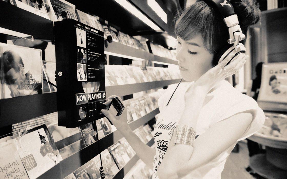 headphones women wallpaper