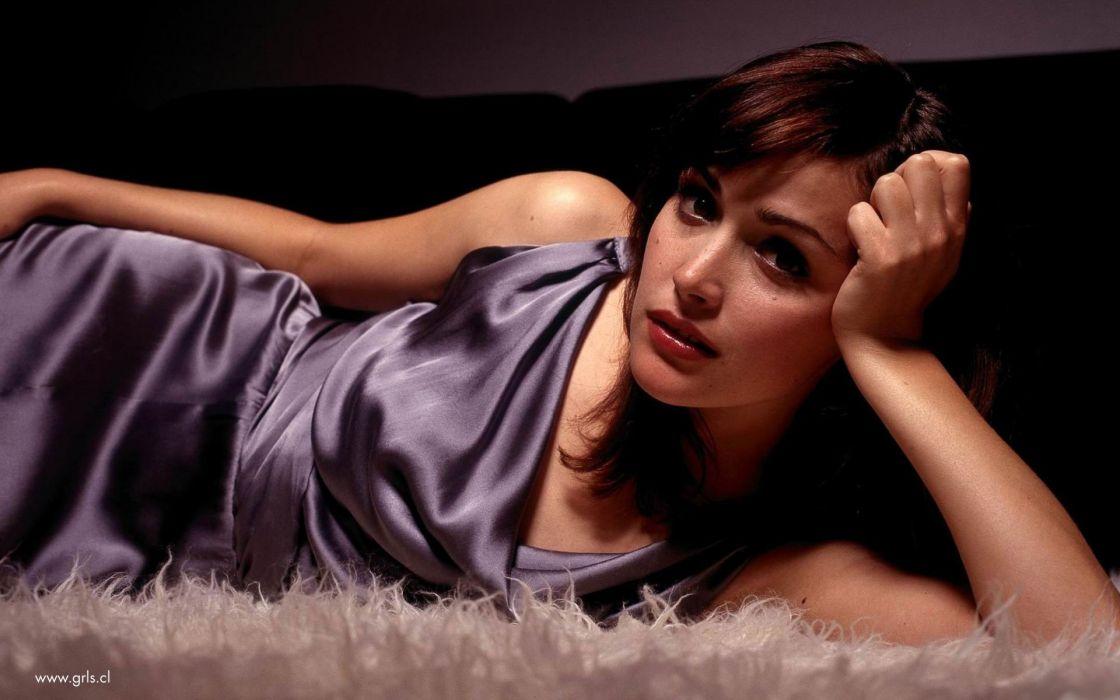 actress Rose Byrne wallpaper