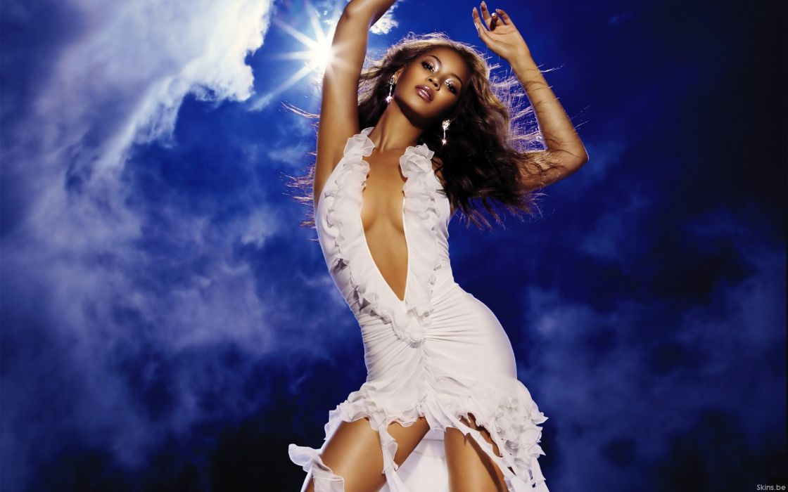 Beyonce Knowles hip hop singer musician women females girls sexy babes cleavage wallpaper