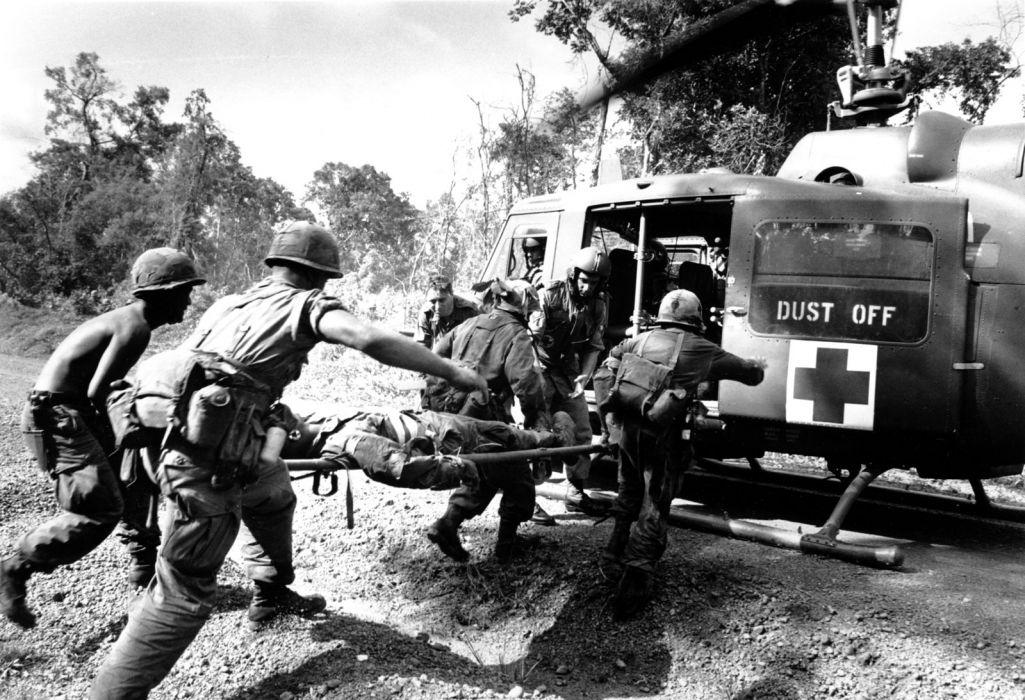 Vietnam Soldiers Helicopter BW battle warriors military war wallpaper