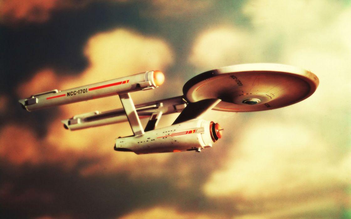 Star Trek Starship Enterprise Spaceship spacecraft sci-fi flight sky wallpaper