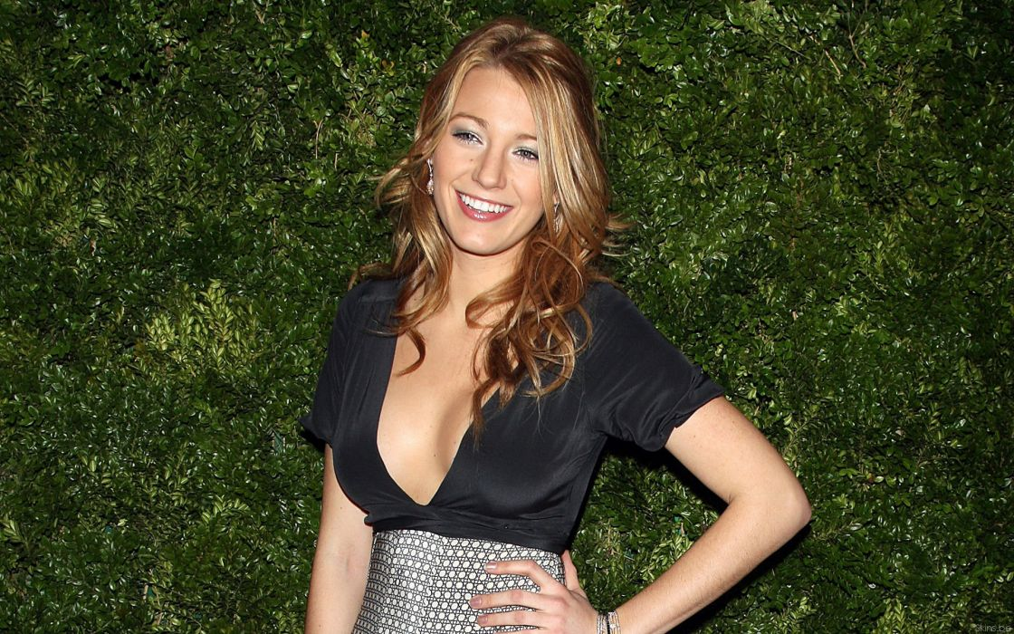 Blake Lively actress model blondes women females girls sexy babes face eyes cleavage         f wallpaper