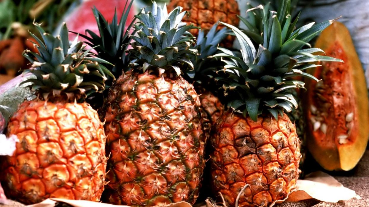pineapples fruits wallpaper