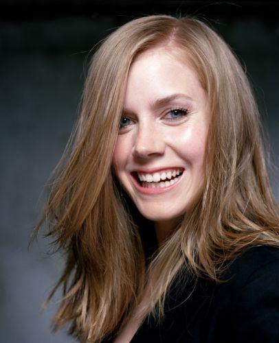 actress Amy Adams smiling wallpaper