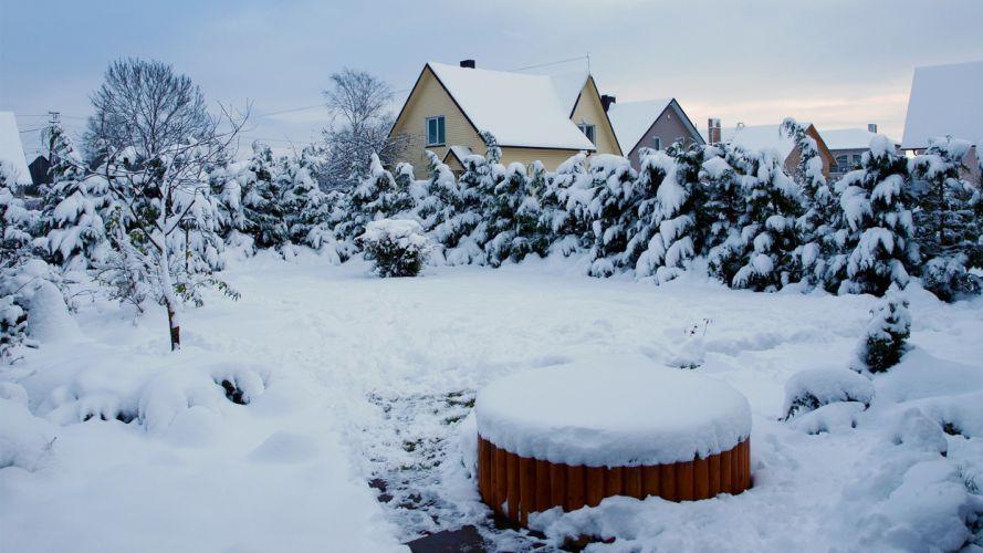 winter houses Lithuania ttic24 yard wallpaper
