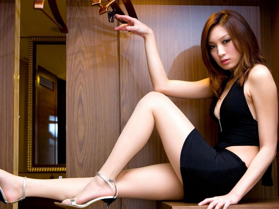 Asians in high heels have hit