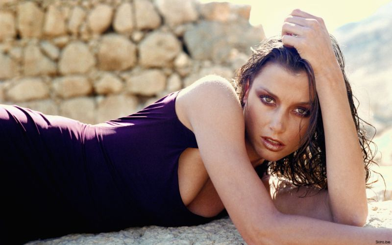 Bridget Moynahan brunettes actress women females girls sexy babes face eyes cleavage wallpaper