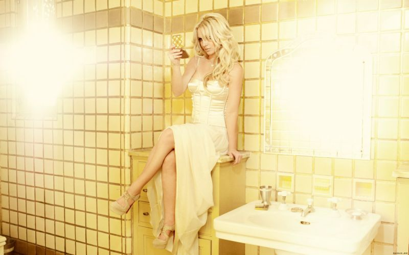 Britney Spears singer musician blondes women females girls sexy babes f wallpaper