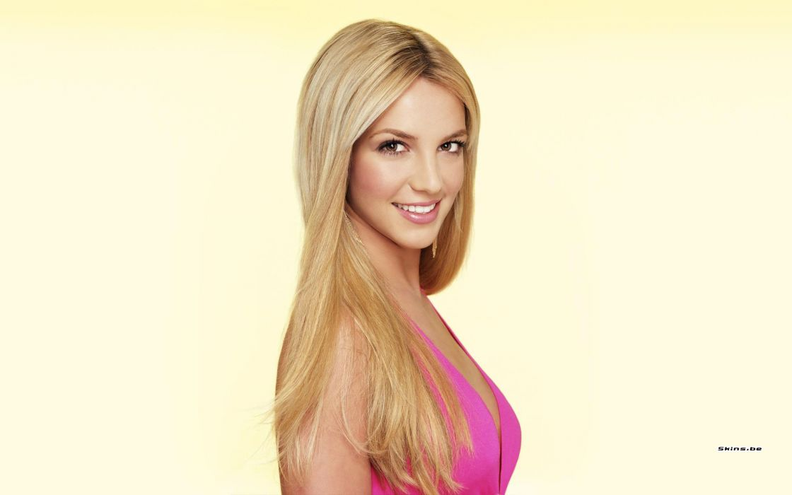 Britney Spears singer musician blondes women females girls sexy babes face eyes cleavage        e wallpaper
