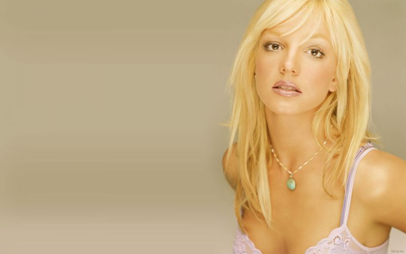 Britney Spears singer musician blondes women females girls sexy babes face eyes cleavage p wallpaper