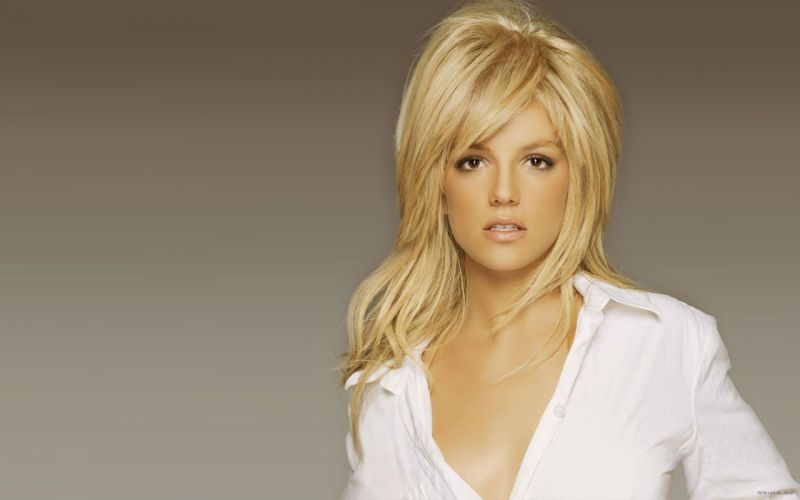 Britney Spears singer musician blondes women females girls sexy babes face eyes cleavage n wallpaper