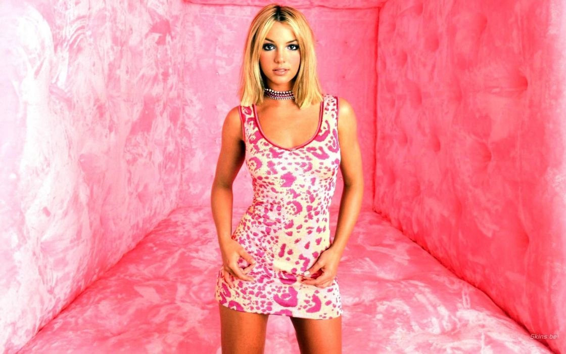 Britney Spears singer musician blondes women females girls sexy babes face eyes legs cleavage      y wallpaper