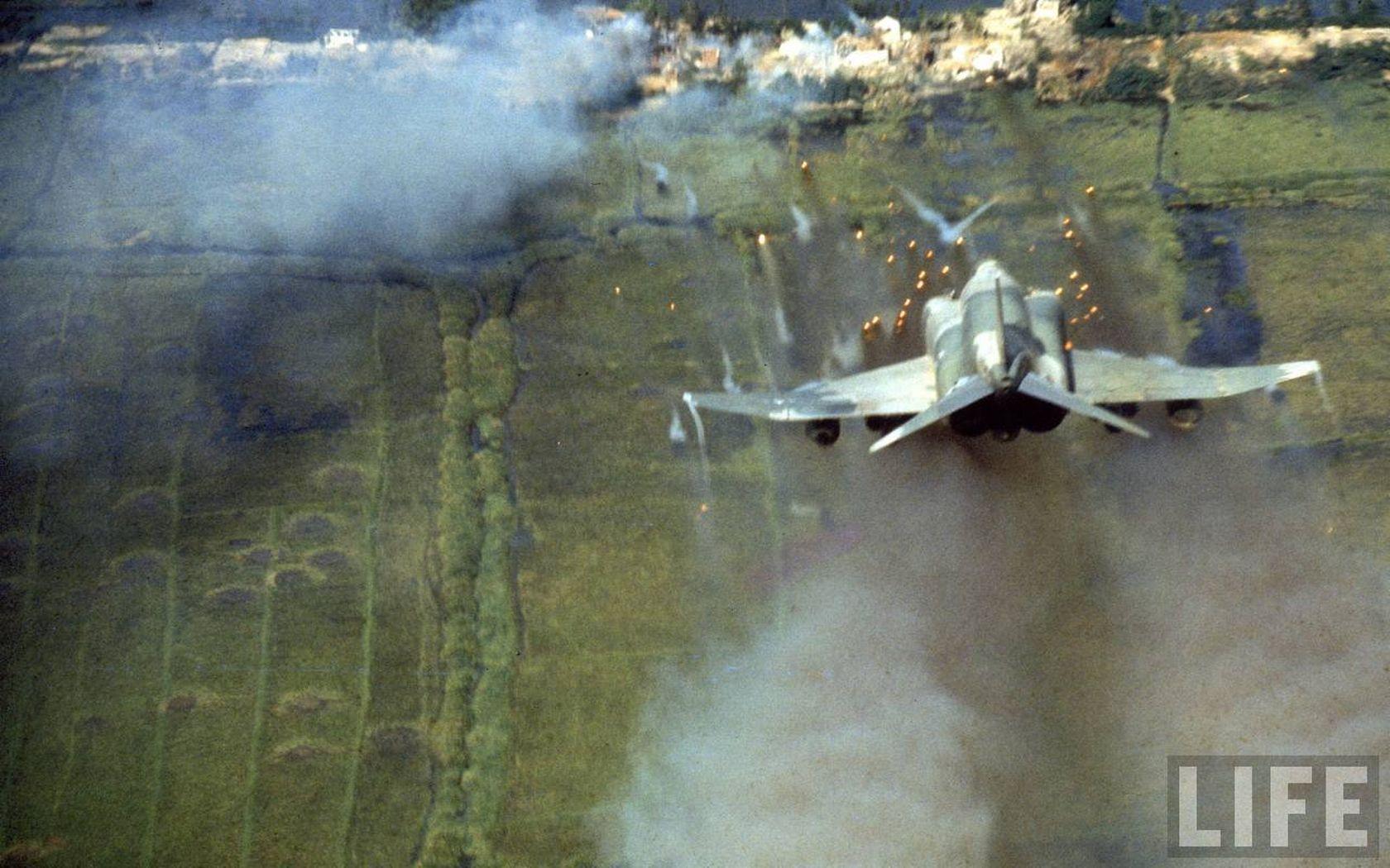Aircraft Phantom Life Magazine Rockets Viet Nam Vehicles F 4