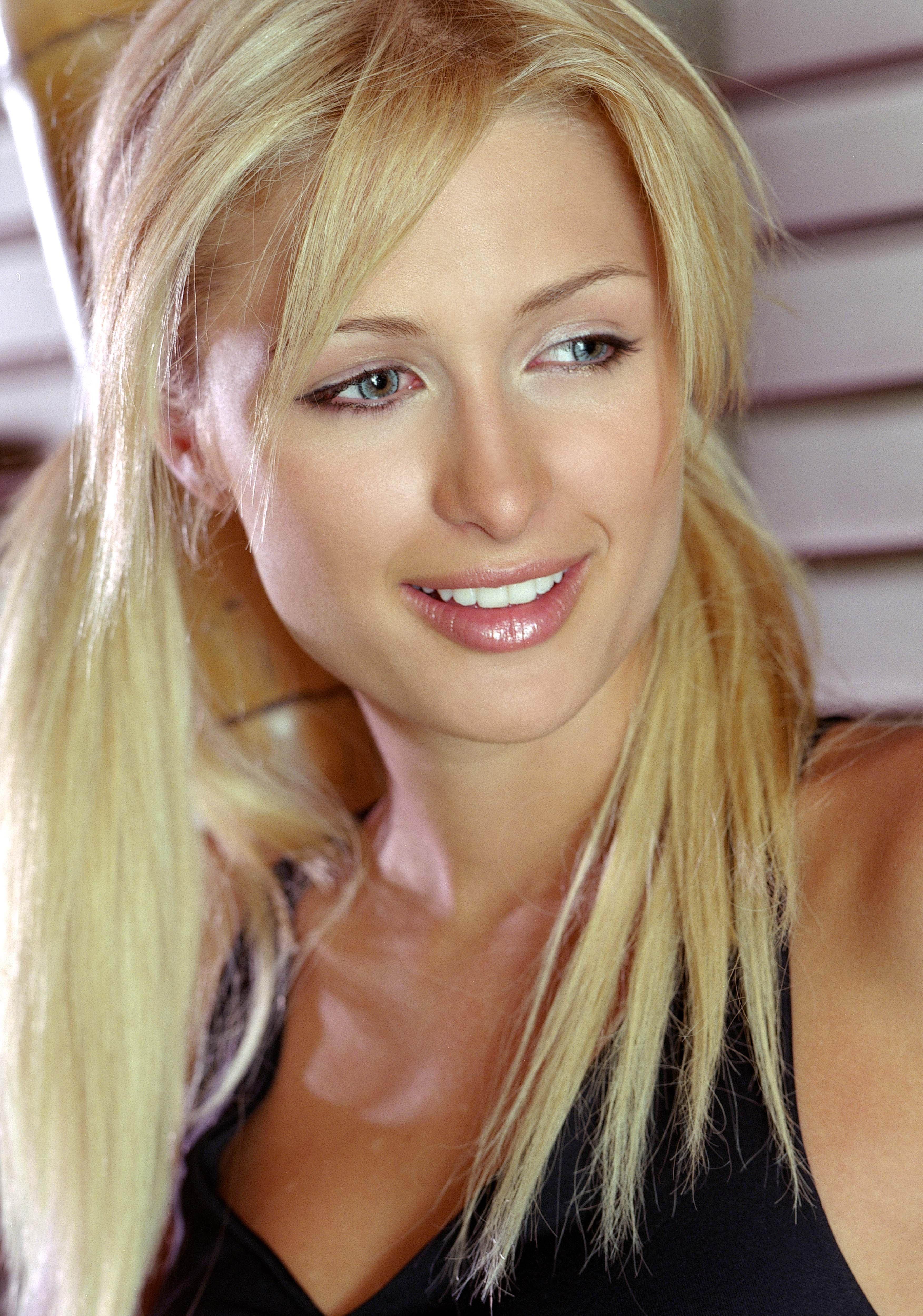 Paris Hilton wallpaper | 3505x4999 | 60127 | WallpaperUP пэрис хилтон