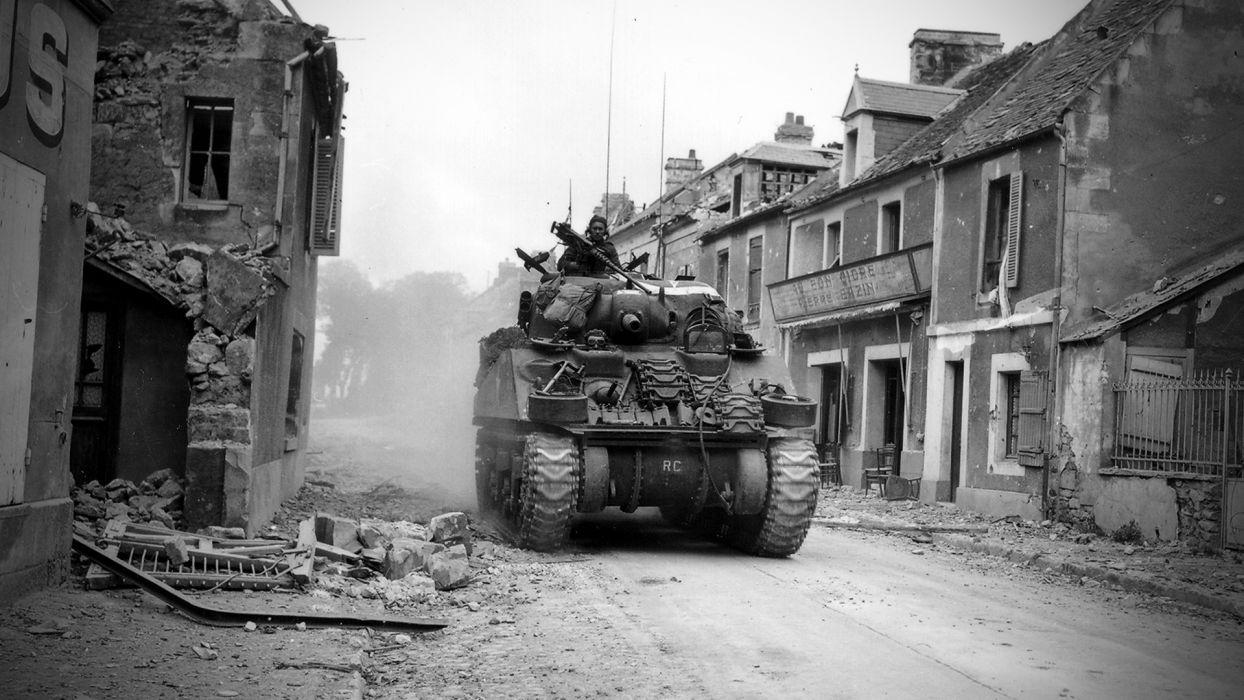 war sherman tanks monochrome wallpaper