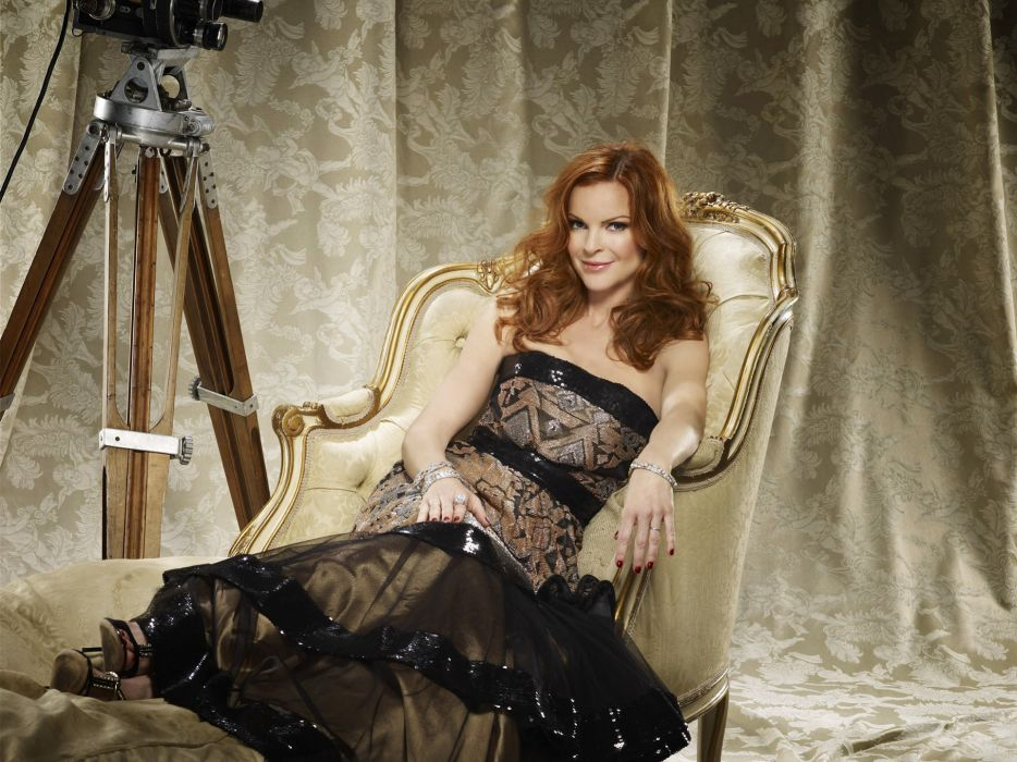 women actress redheads Desperate Housewives Marcia Cross Bree Van De Camp wallpaper