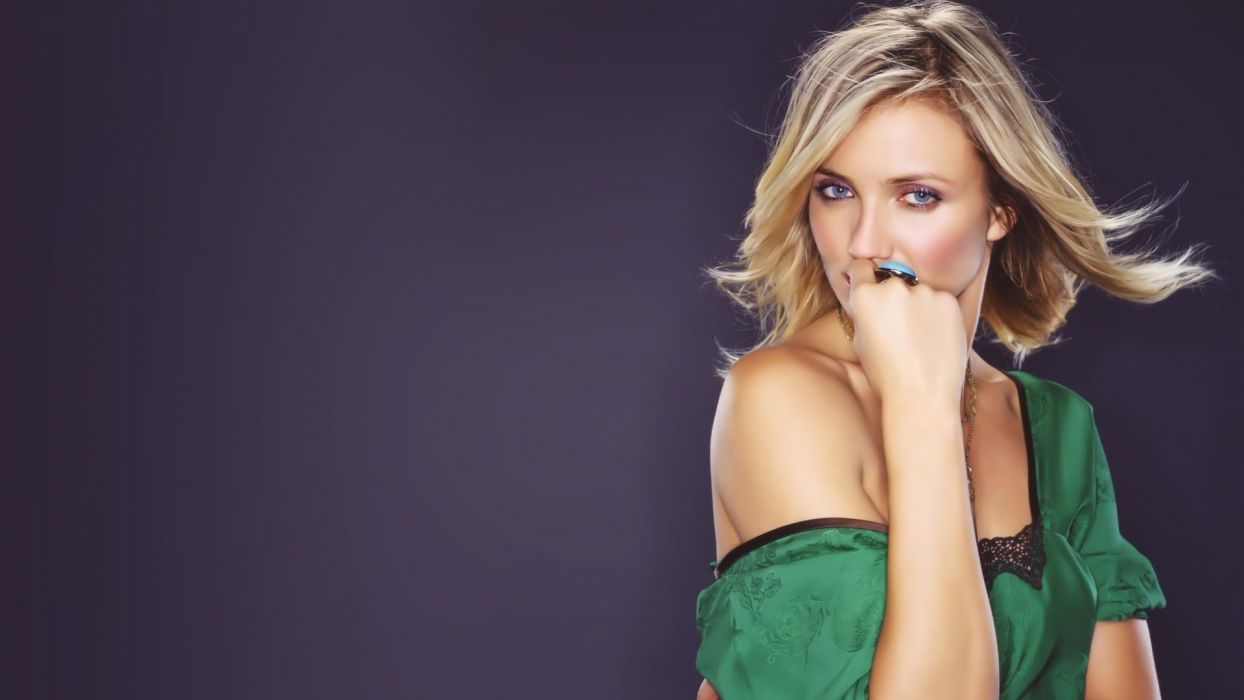 blondes women blue eyes celebrity Cameron Diaz wallpaper