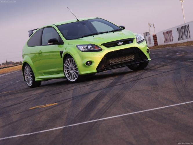 green cars Ford Focus RS Ford Focus wallpaper