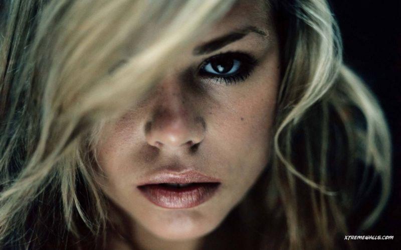blondes women Rose Tyler Billie Piper faces wallpaper