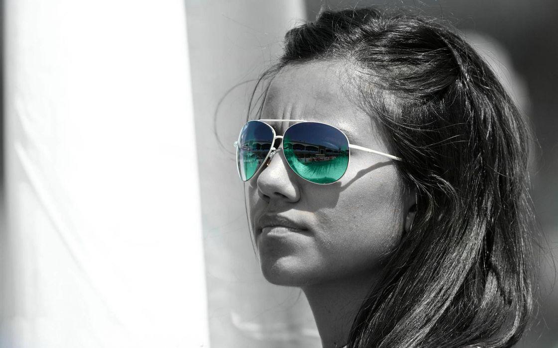 women models sunglasses selective coloring faces photomanipulation wallpaper