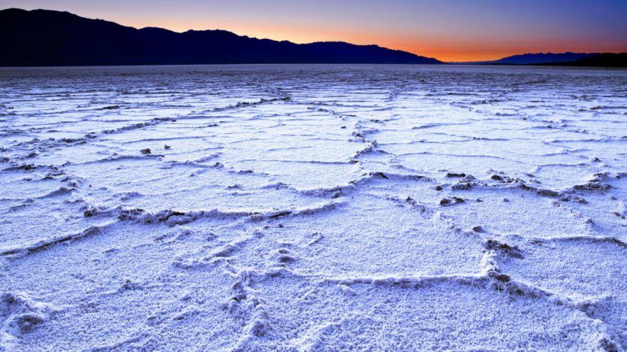 California Death Valley salt flats wallpaper