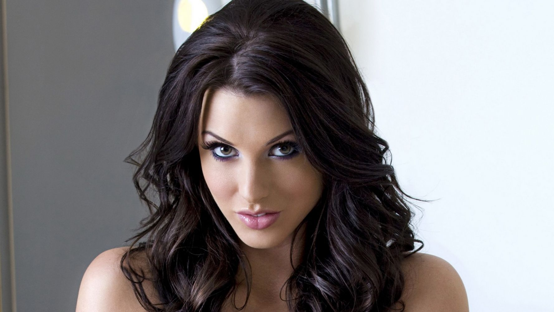 Girls With Dark Hair And Light Eyes Are A Rare Sight