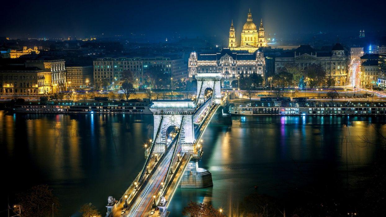 Chain Bridge - Budapest - Hungary wallpaper