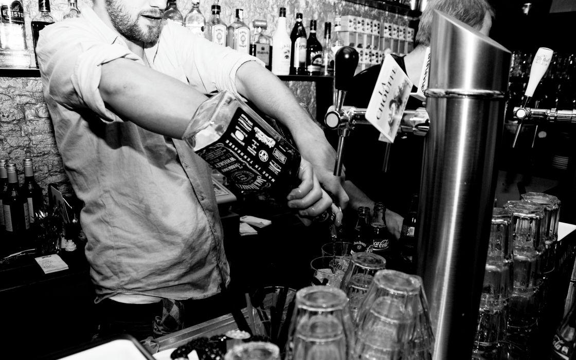 BW Bartender Bar Jack Daniel's Alcohol wallpaper