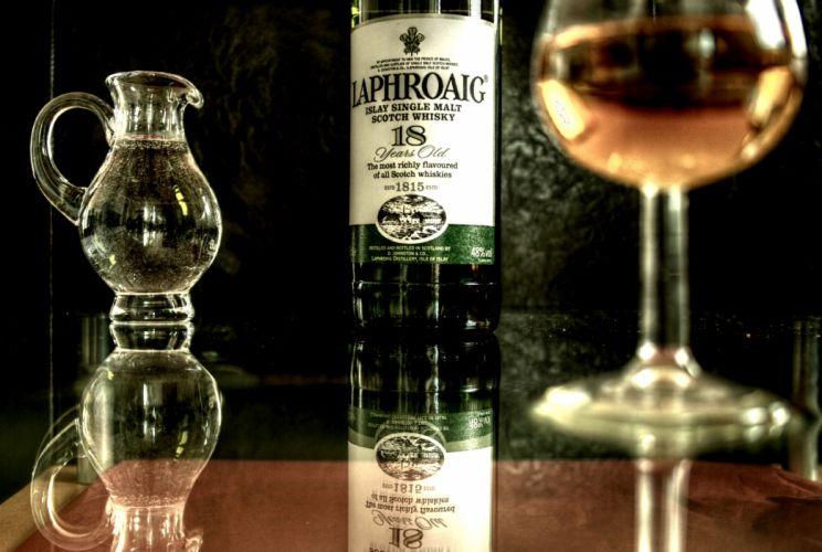 Laphroaig Whiskey Alcohol Reflection wallpaper