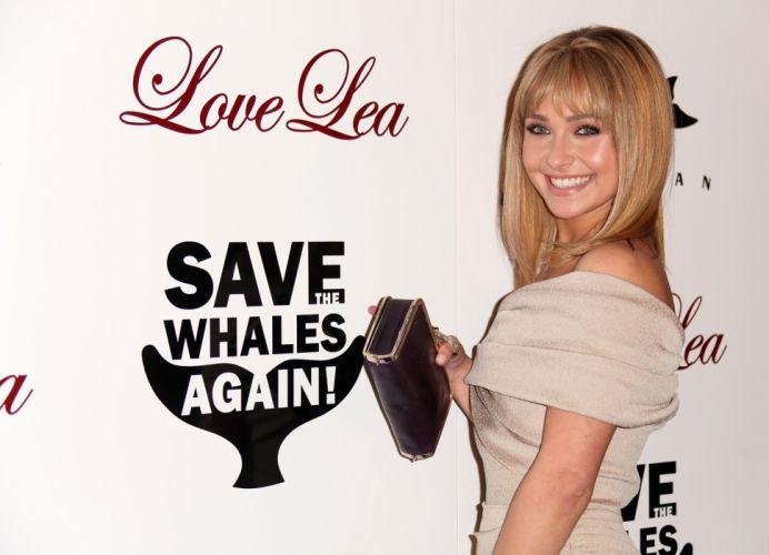 blondes women actress Hayden Panettiere singers wallpaper