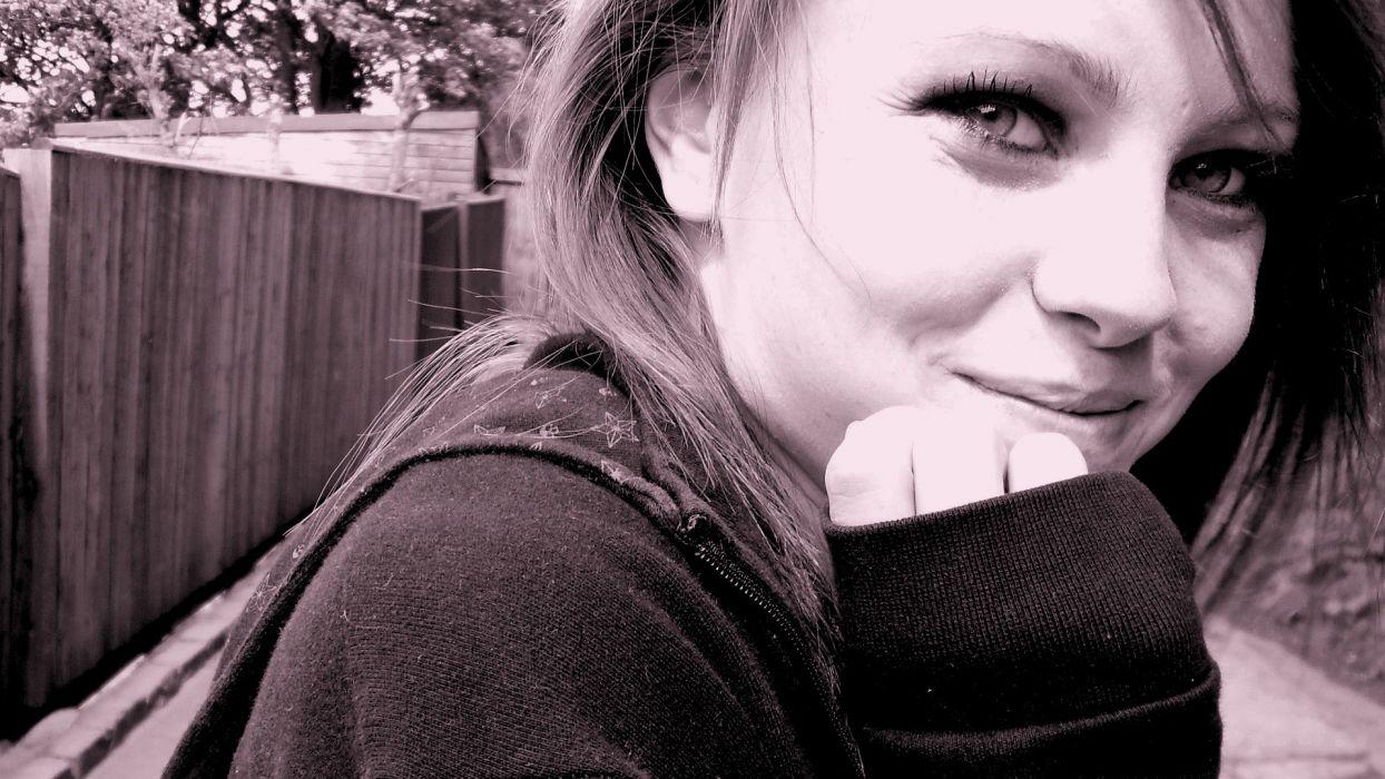 women eyes teen smiling Toni Pearce wallpaper