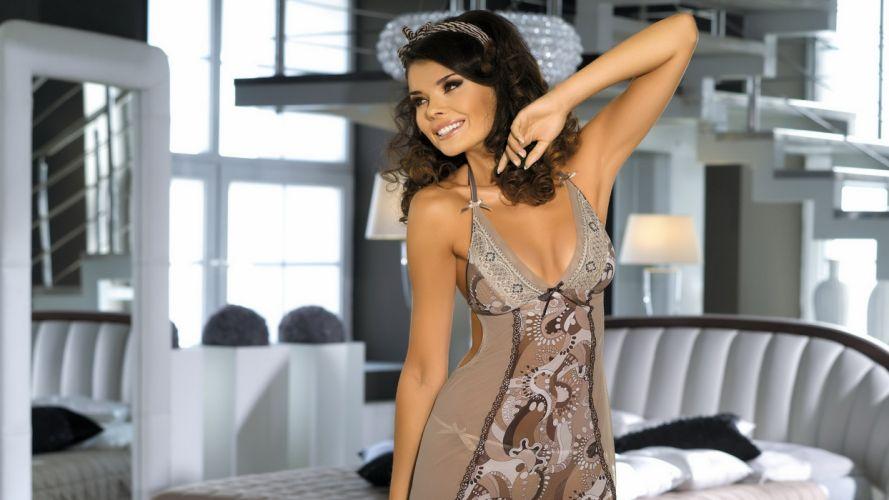 Brunette Dress wallpaper