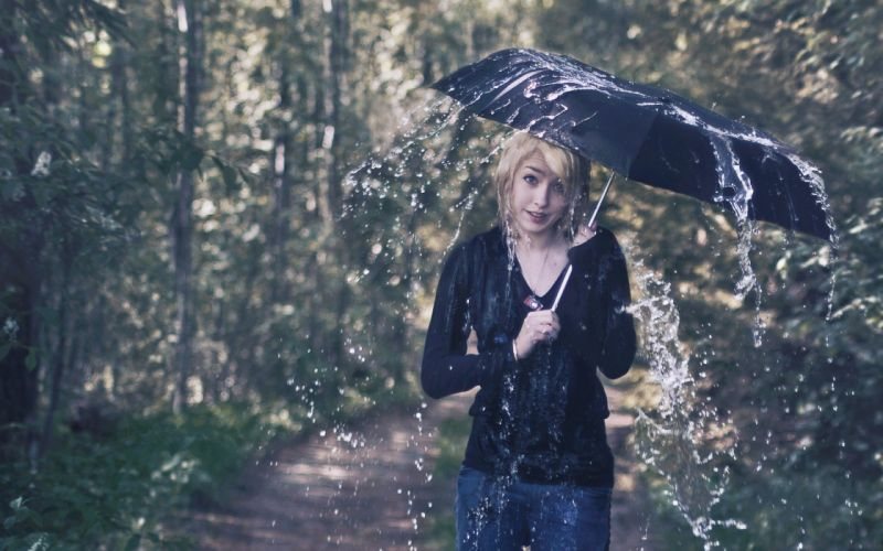 blondes women jeans trees rain forest wet necklaces umbrellas wallpaper