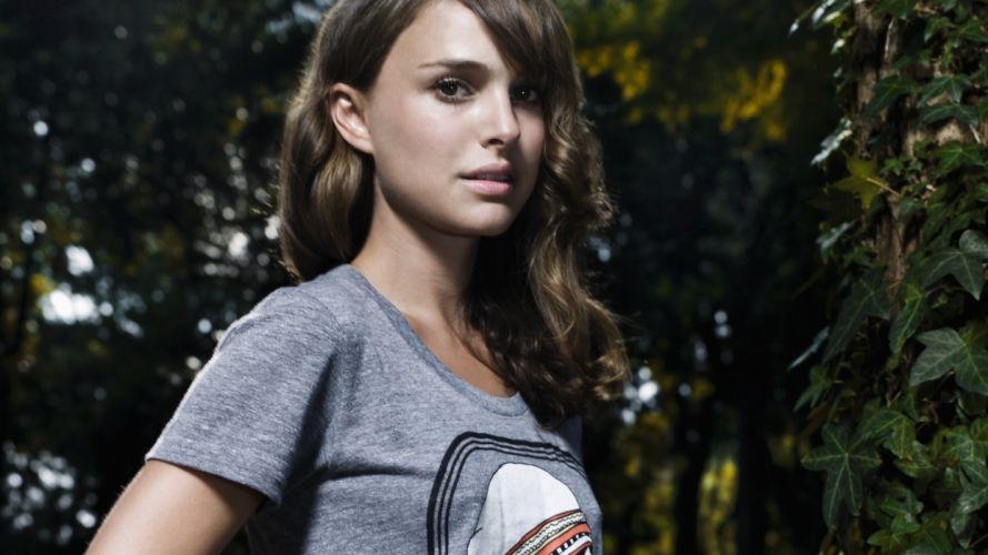 brunettes women actress Natalie Portman celebrity plants wallpaper