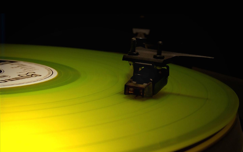 Music Turntable Record Player Gramophone Wallpaper