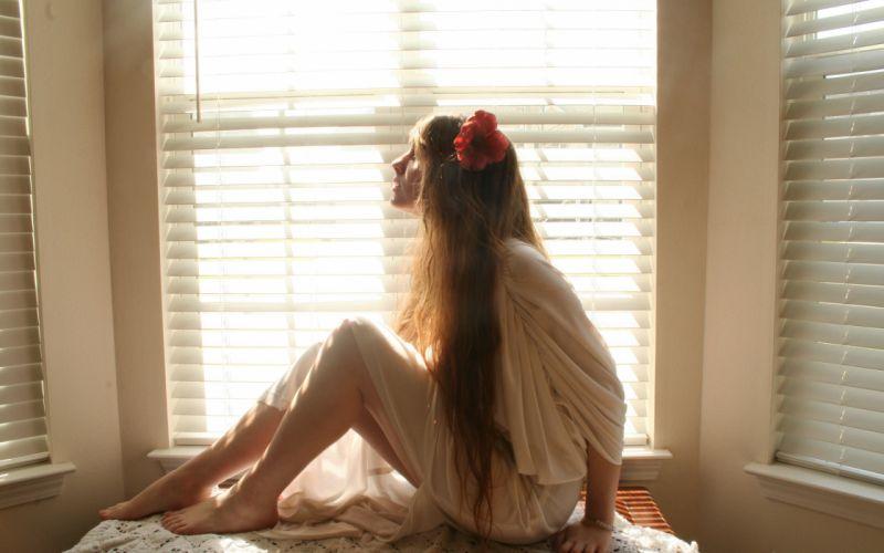 women models white dress window blinds natural lighting wallpaper