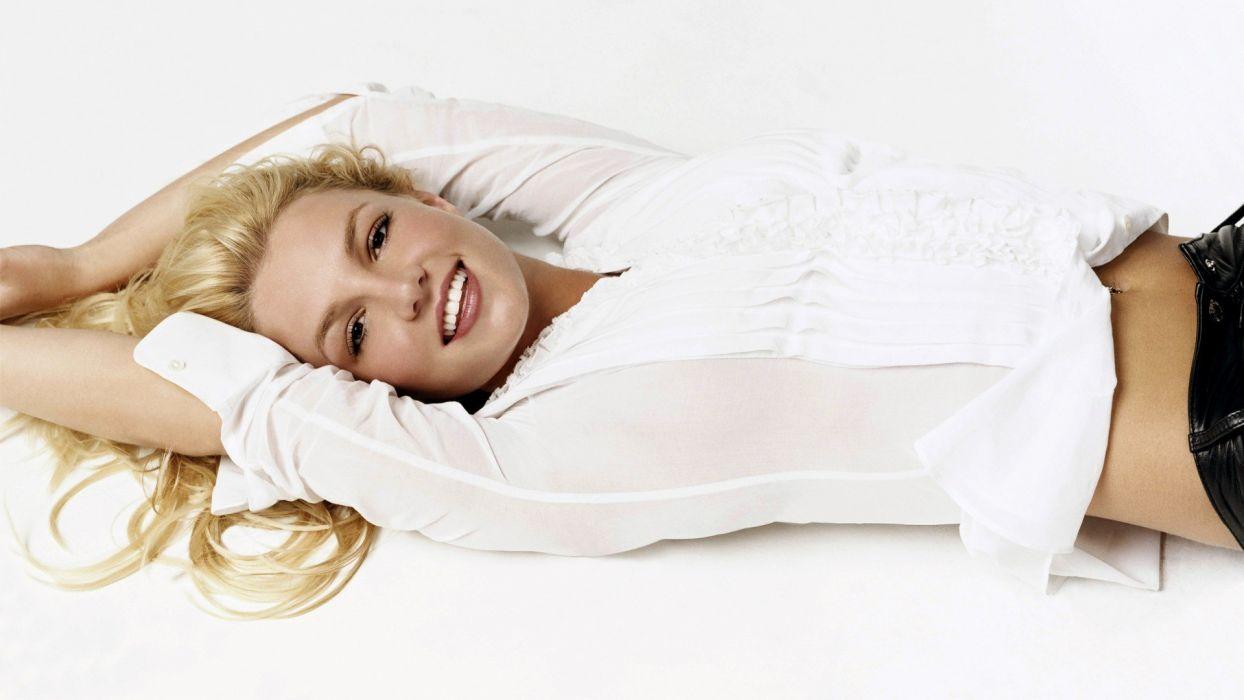 blondes women Britney Spears celebrity brown eyes wallpaper