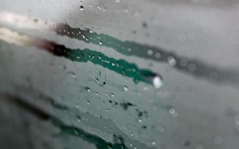 glass water droplets condensation wallpaper