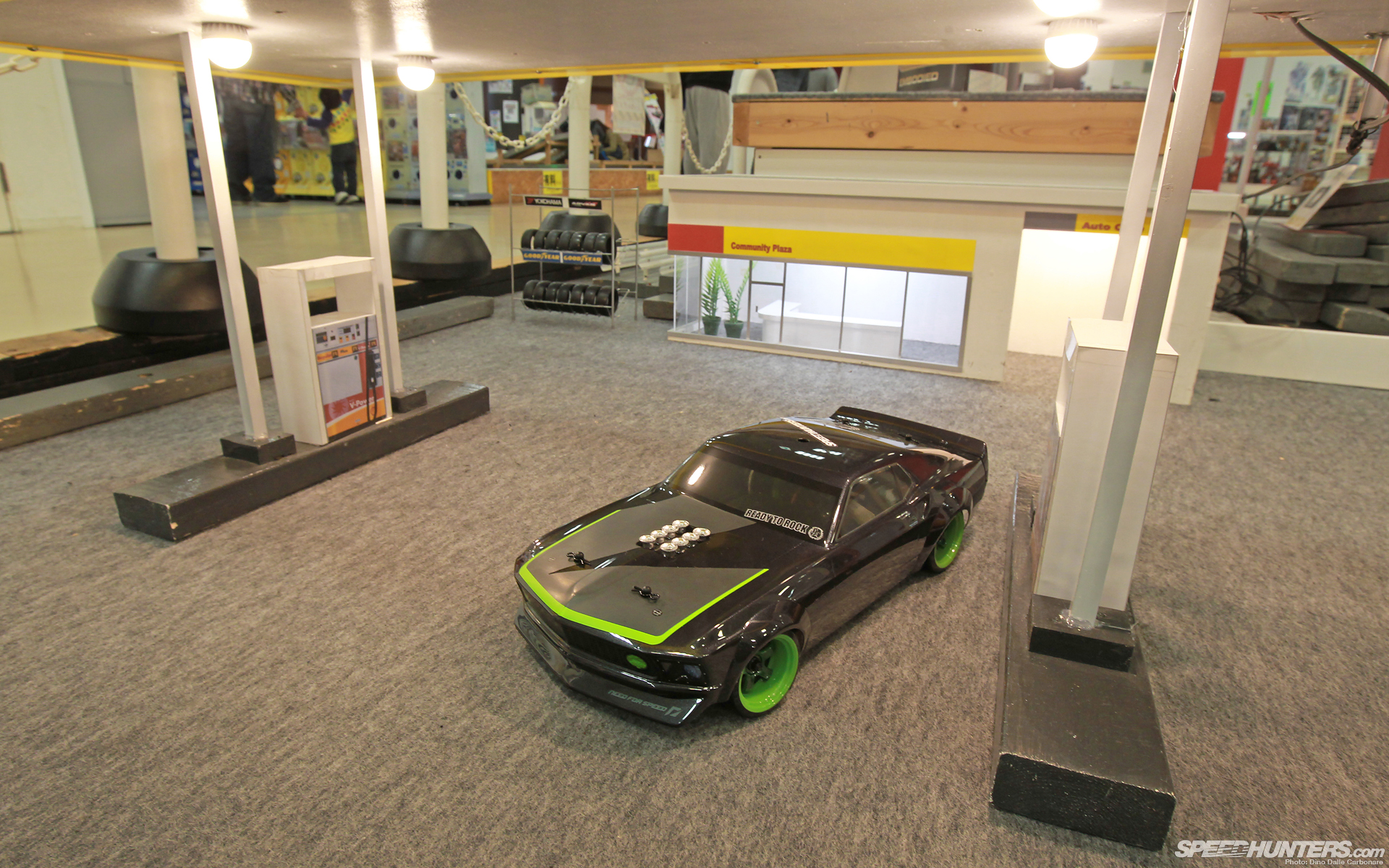 ford mustang gas station miniature rc car toys muscle cars. Black Bedroom Furniture Sets. Home Design Ideas