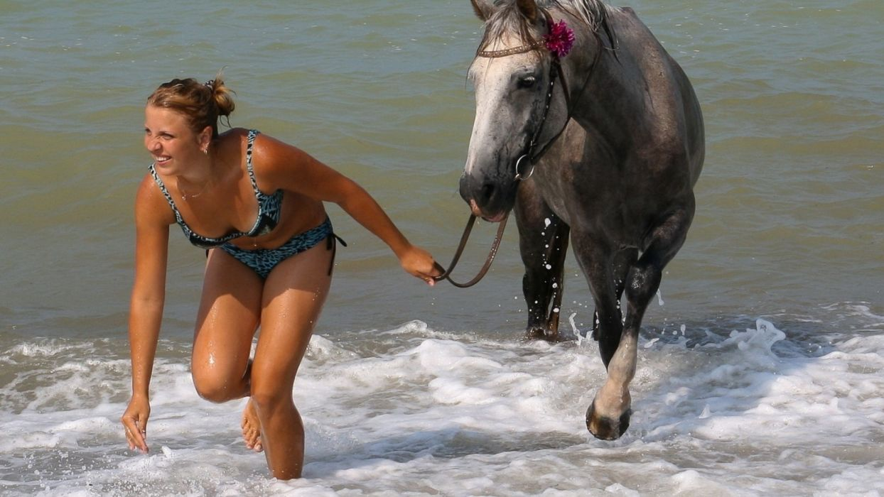 girl sea summer horse romance wallpaper