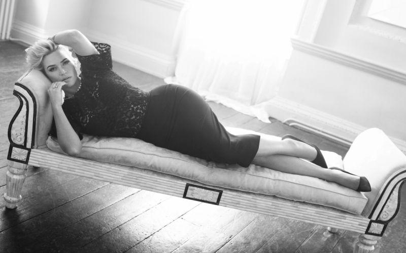 Kate Winslet BW Skirt wallpaper